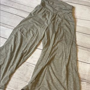 Gray soft and stretchy gaucho pants